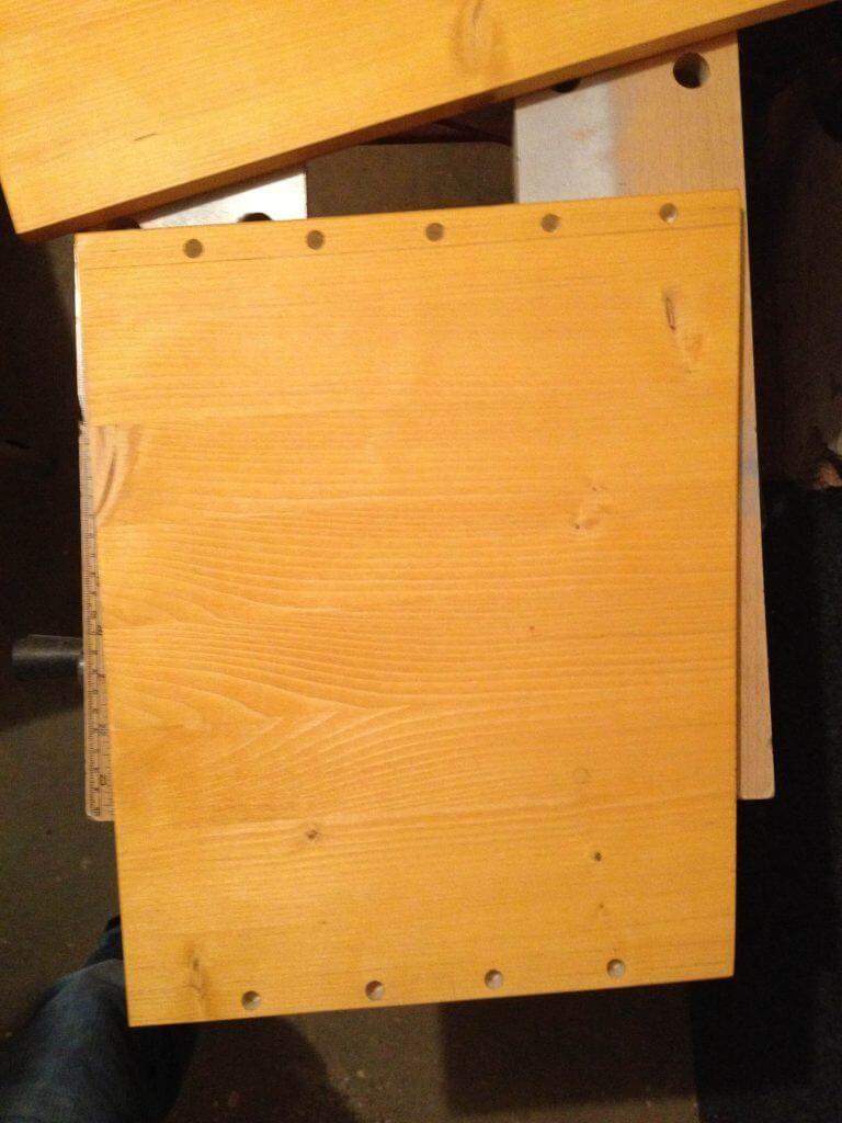 19-Zoll-Rack-selber-bauen-Seitenteil-gesägt-gebohrt-768x1024