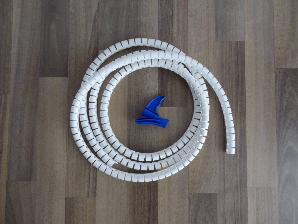 Tools-für-Kabelorganisation-Kabel-aufräumen-PVC-Kabelschlauch